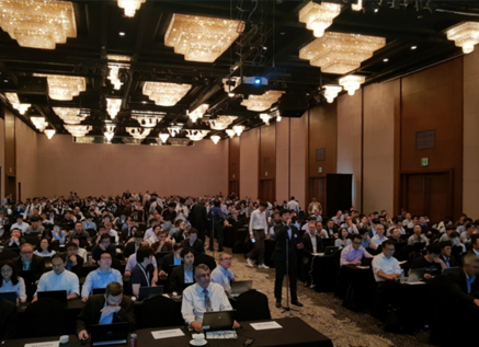 Younsun Kim (center), Principal Engineer of Standards Research Team at Samsung Research, is welcoming attendees at the 3GPP 5G Conference Working Group (RAN1) meeting, held in Busan on May 21, 2018.