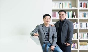 Youngo Park (left) and Kwangpyo Choi, from Samsung Research's Visual Technology team